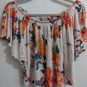 2/$10🌼 flowy floral shirt